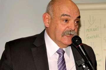 Fin août 2016, le premier adjoint était entré en dissidence pour ne plus cautionner la gestion de Sylvie Fassier. Il a démissionné du conseil début décembre.