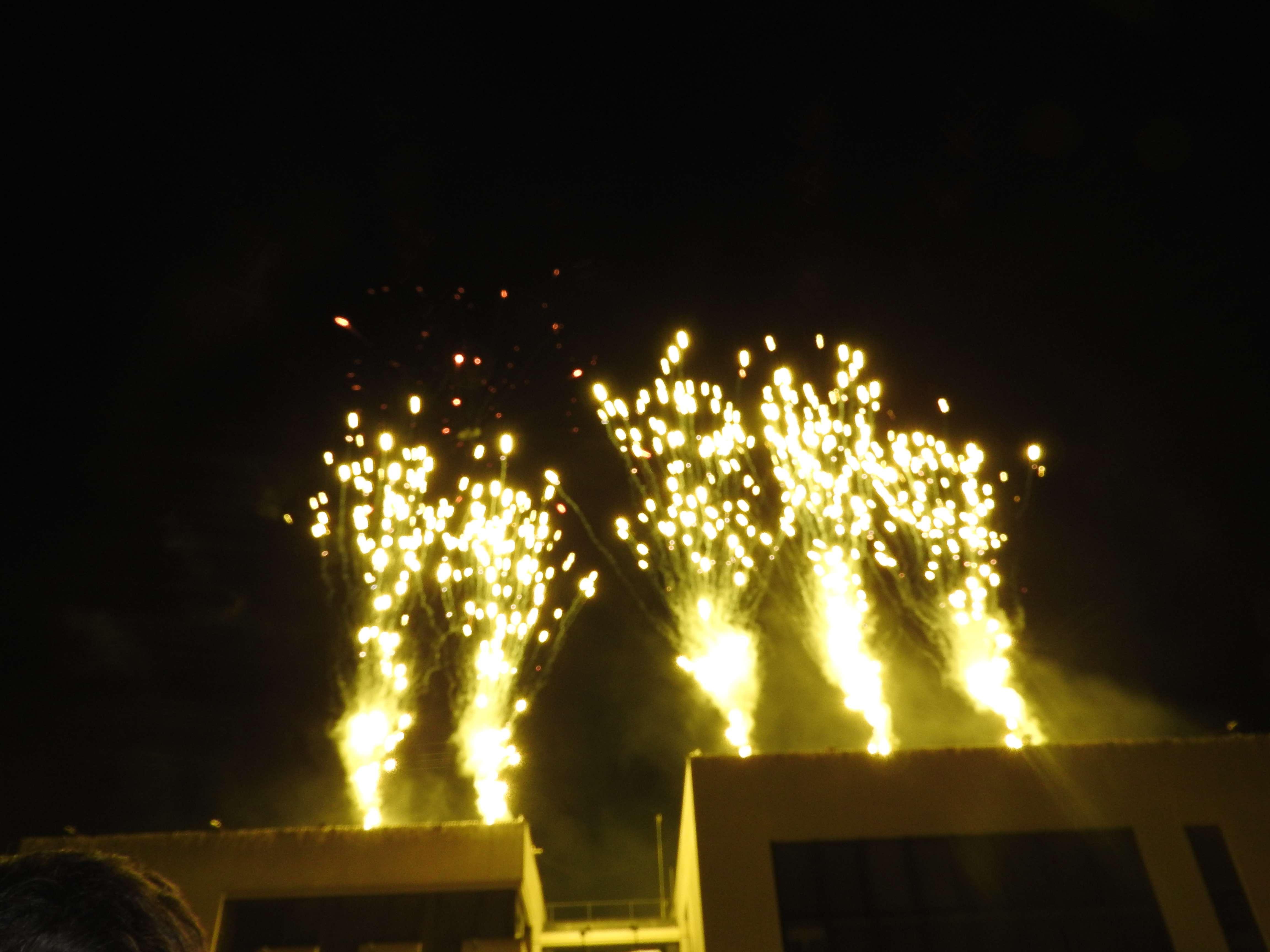 Serris► Fêtes de fin d'année : illuminations, Père Noël, feu d'artifice et chocolat chaud au programme