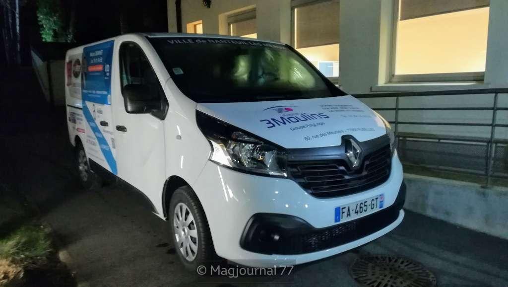 Nanteuil minibus
